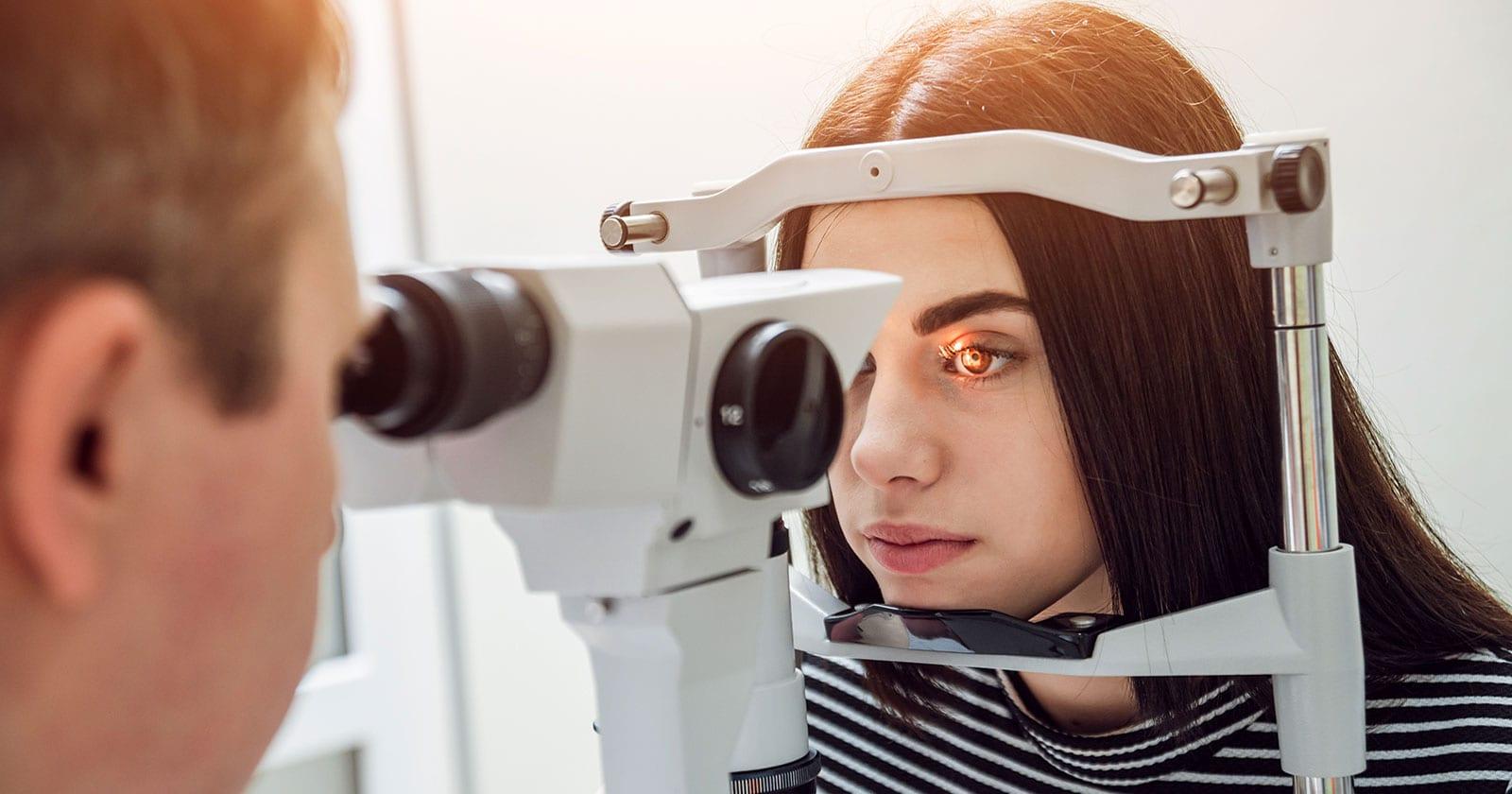 Especialidad en oftalmologi a